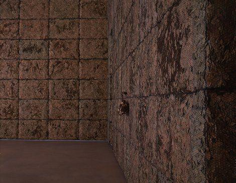 La stanza di foglie di alloro, di Giuseppe Penone.  Si tratta <di una stanza intera le cui pareti sono ricoperte da uno spesso strato di foglie di alloro fissate dentro reti metalliche: si tratta di una sorta di cripta naturale, immersa in una penombra profumata, dove al centro del muro più ampio c'è il calco di bronzo dorato di due polmoni. L'effetto complessivo è di straordinaria suggestione con valenze allo stesso tempo classiche e mitiche, e surreali>.