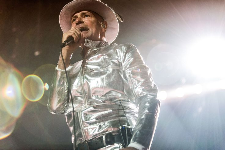 Gord Downie a Canadian Rock Legend Sings Goodbye