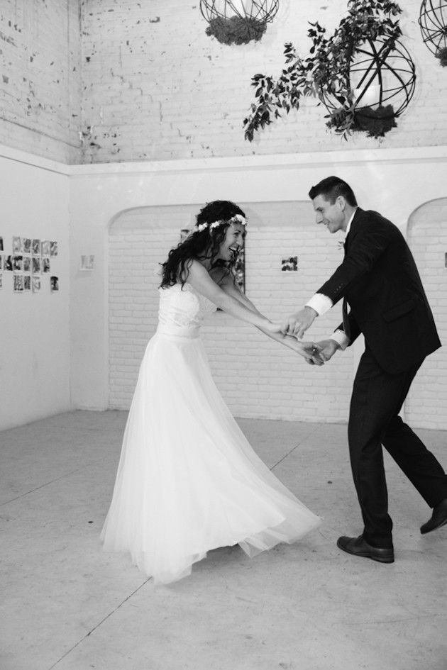 Romantic Wedding with Foliage Decor | Perregeaux Wedding Photography | Bridal Musings Wedding Blog