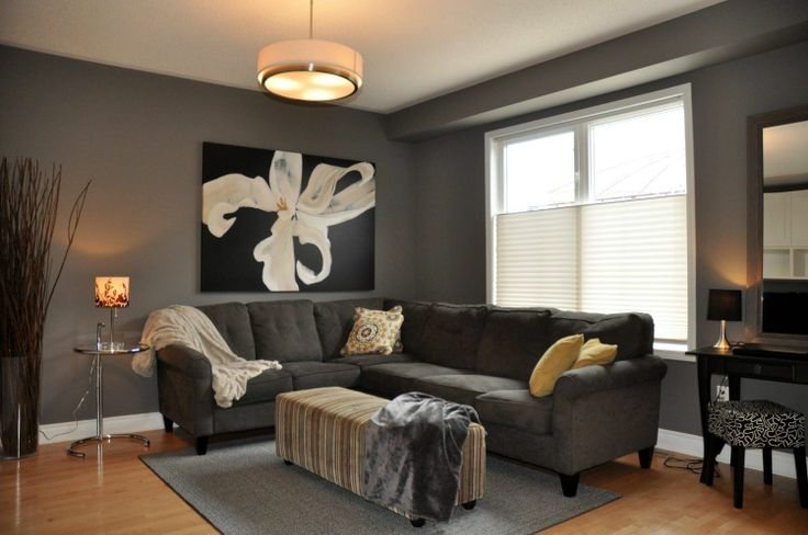 Welcome to this bright and spacious 4 bedroom detached home in sought after North Burlington community of Alton Village. This is 2000+ square foot home boasts numerous features and upgrades including maple hardwood floors throughout the main level, 9 foot ceilings, 5 1/2 baseboards, a stunning eat-in kitchen with a bay window eating area and extra tall kitchen cabinets. http://www.walshandvolk.com/3209-munson-crescent-burlington-3/
