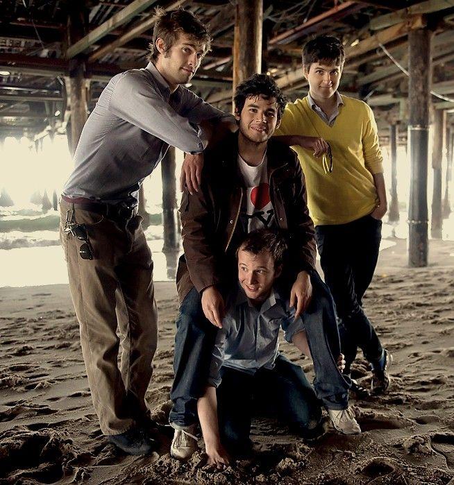 Vampire Weekend - Indie rock band | Vampire weekend, Indie ...