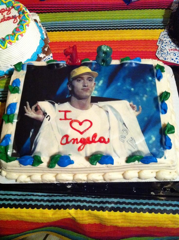 Happy 40th birthday eminem !   (My 18th birthday cake was amazing)