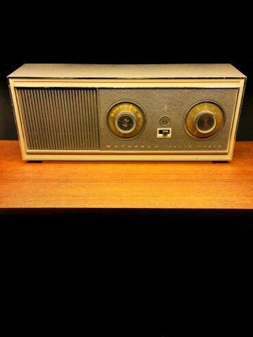 MOTOROLA SOLID STATE radio.