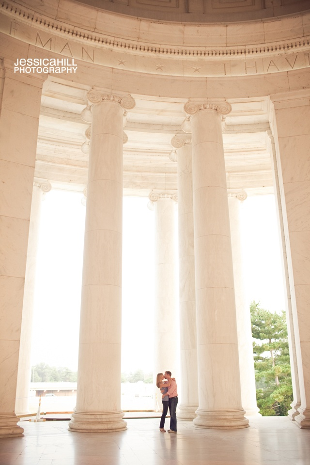#washington dc Kissing at the #Jefferson memorial? yes please!
