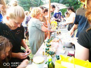 In acest weekend ne vedem la Izvor, la un workshop DIY cu Green Report. Vom face produse de ingrijire personala si un concurs interesant cu produse la vrac și premii faine. In plus dam din casa: ce ne motiveaza, ce alternative exista si de ce e un stil sustenabil de viata. http://www.korydeea.com/2017/09/plastic-free-lifestyle-la-bikefest-2017/