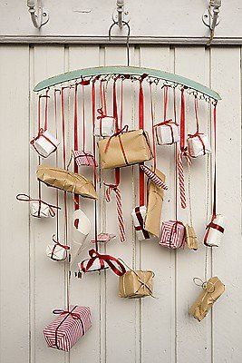 Love this use of a hanger to hang the pressies