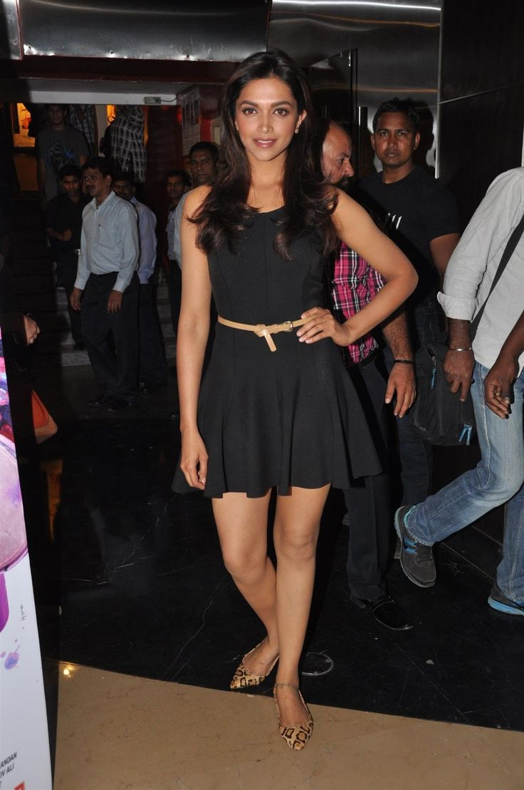Deepika Padukone Super Sexy Legs Show In Black Skirt At The Launch Of Film Yeh Jawaani Hai Deewani - Deepika Padukone Super Sexy Legs Show In Black Skirt At The Launch ...