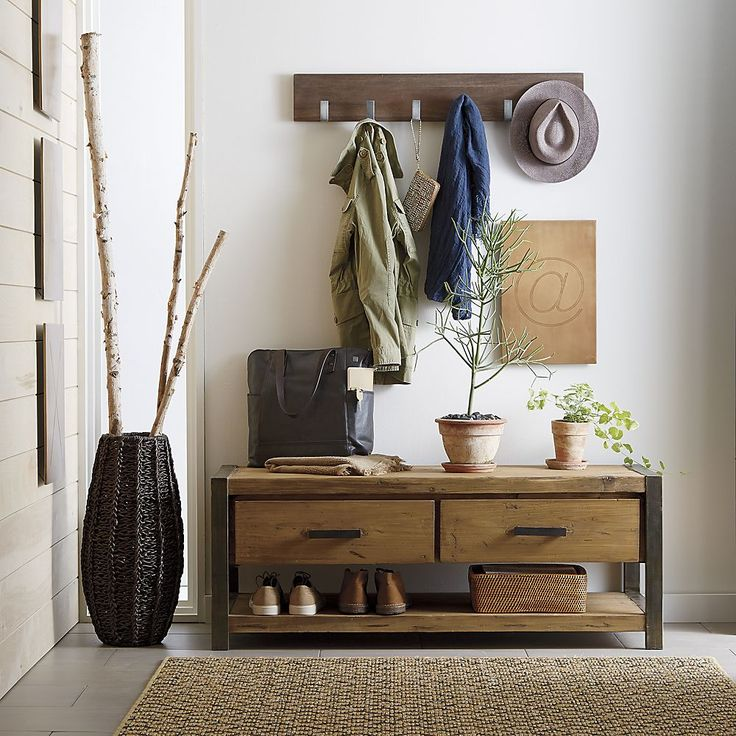 Let's take a peek at some entryway bench ideas that will help to inspire your rearranging, decorating and transforming of your home.