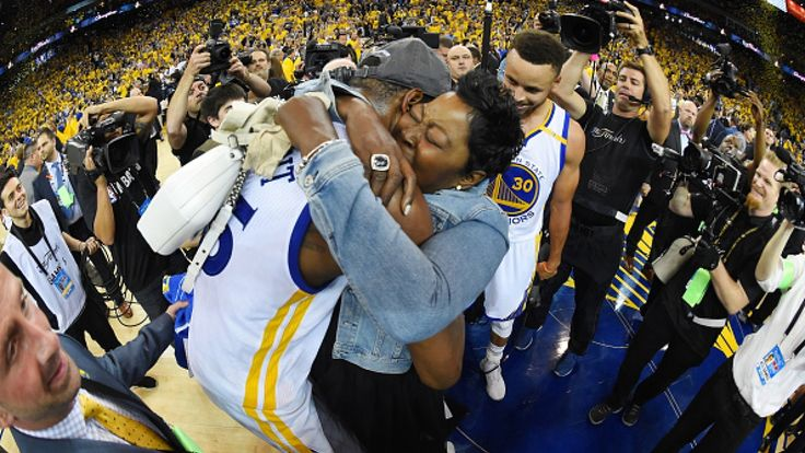 CBC Radio  Tuesday June 13, 2017     more stories from this episode   Last night, secondsafter the Golden State Warriors won the NBA finals, Kevin Durant and his mother, Wanda, were wrapped in a tight embrace on the court. It was a long-awaited championship for Mr. Durant, his first in the... - #Big, #Celebrates, #Durants, #Home, #Kevin, #Mom, #Wanted, #Win, #World_News, #Years