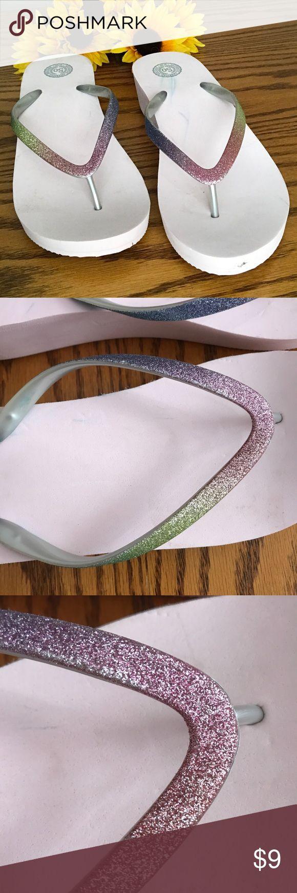 NWOT pink platform glitter flip flops. size 9-10 NWOT pink platform rainbow glitter flip flops. size 9-10 large SO Shoes Sandals