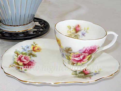 Fine bone china tennis set from the Springfield collection for hire from highteahire.co.nz