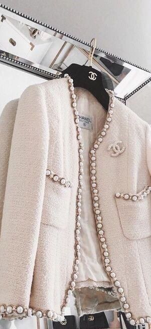 441 best Iconic Chanel jackets images on Pinterest ...