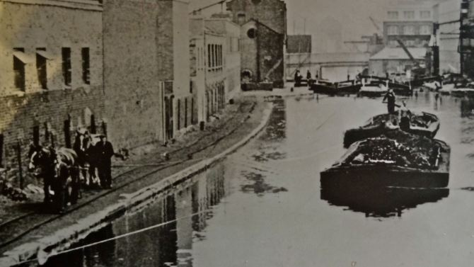 """Captioned: """"Incredible to think a single horse could haul one of these full laden broad barges…"""" #london #barge #horse #canal #tow #loaded #regents #kings #cross"""