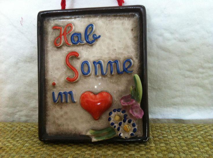 Vintage 50er reizende Keramik Wand Dekoration Hab Sonne im Herzen Göbel Hummel von Antikladen auf Etsy