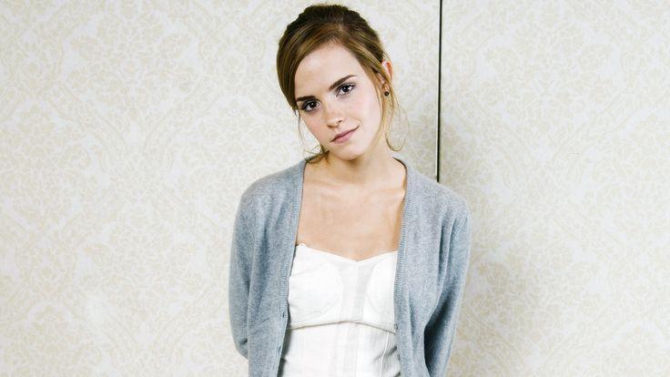 Cute Emma Watson Wallpaper