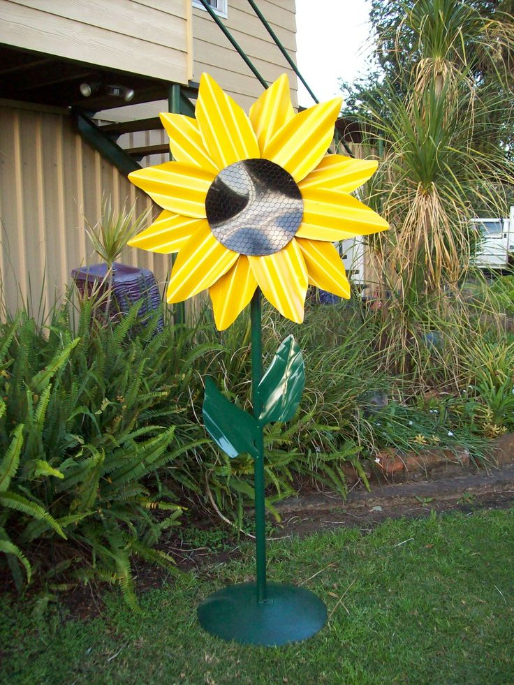 The 19 best images about corrugated metal art on pinterest for Best paint for yard art