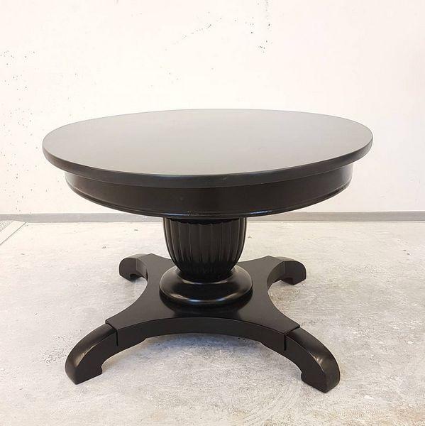 Her har vi pusset opp ett eldre bord for kunde #interior #bord #interior123 #rom123 #boligpluss #gjenbruk #design #interiør #bonytt #kk_living #blacktable