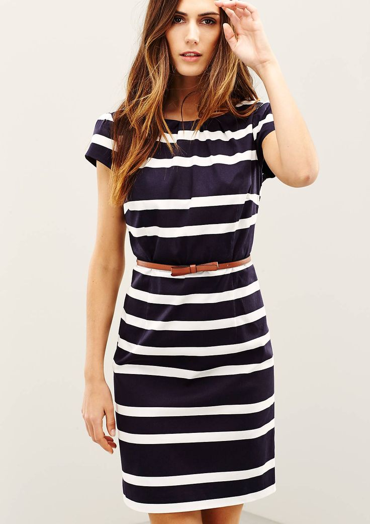 Vielseitiges Kleid im Streifen-Look                              …