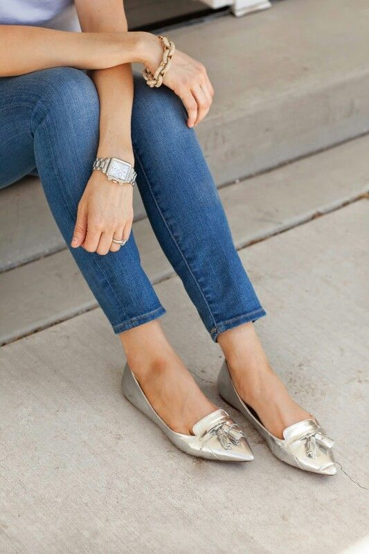 How to wear flat shoes with jeans 10 best outfits