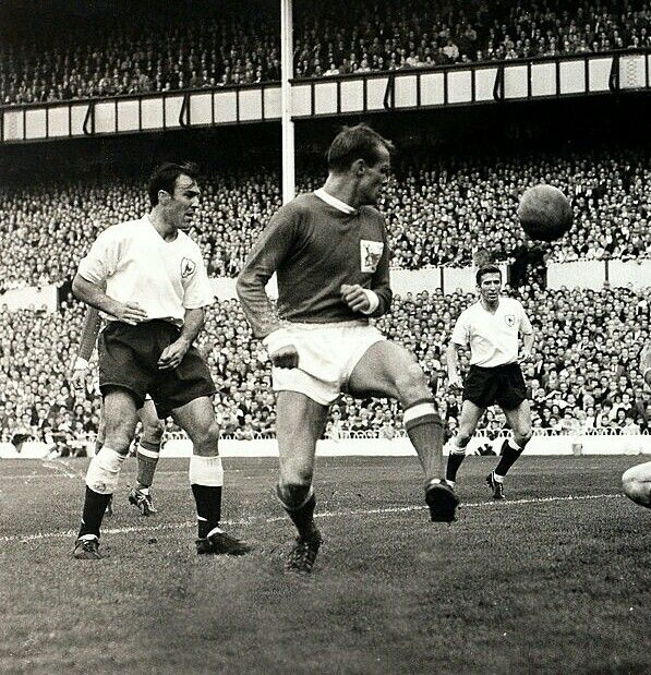 Tottenham 9 Nottm Forest 2 in Sept 1962 at White Hart Lane. Jimmy Greaves heads 1 of his 4 goals in the Division 1 game.