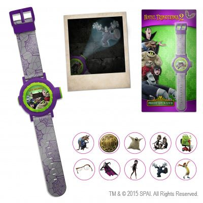 Детские часы со встроенным фонариком, в линзу которого можно вставить изображения героев «МОНСТРОВ НА КАНИКУЛАХ». Куда светит фонарик – там и появляются Джонатан, Мейвис, Вольфыч и прочие представители этой веселой компании.   Такие часы-проекторы будут разыграны на аукционе ВебIQметра 28 октября! Подробнее на сайте http://www.drweb.ru/drweb+sony/ #DrWeb #Gift