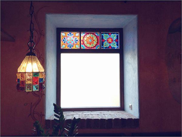 Витражная роспись по стеклу. Орнаментальные вставки для окон. Мама Рома.