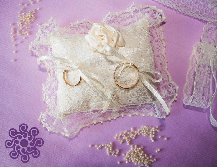 Ivory silk ring-bearer pillow by LarecCreations on Etsy