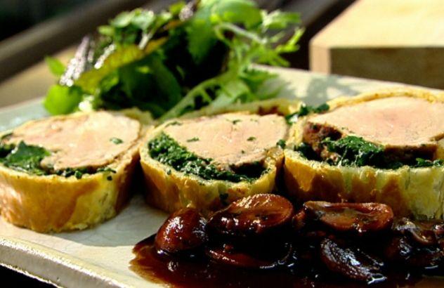 Recept varkenshaasje in korstdeeg met rode wijnsaus - Lekker van bij ons !
