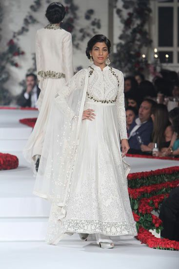 Varun Bahl | Amazon India Couture Week 2015 I Gourmet Runway