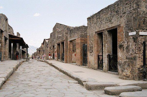 Древнеримский город Помпеи, Италия