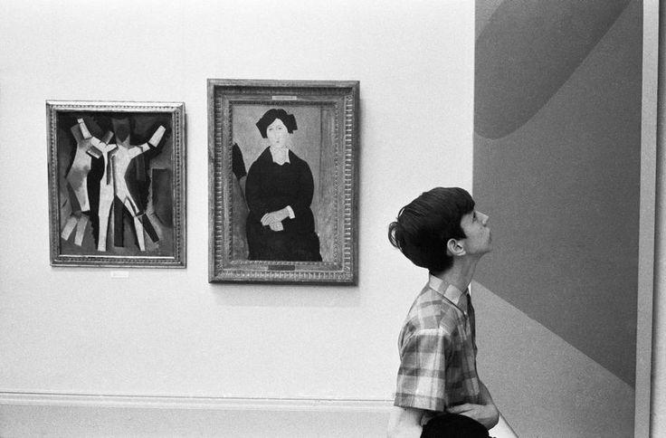 Magnum Photos, Richard Kalvar, Metropolitan Museum of Art. 1969.