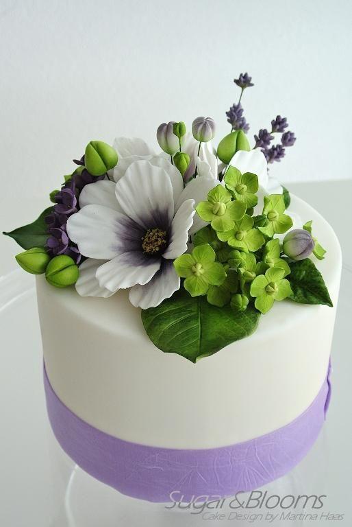 Sugar flowers cake, Cosmea, lavender, hydrangeas and lilacs out of sugarpaste, gumpaste