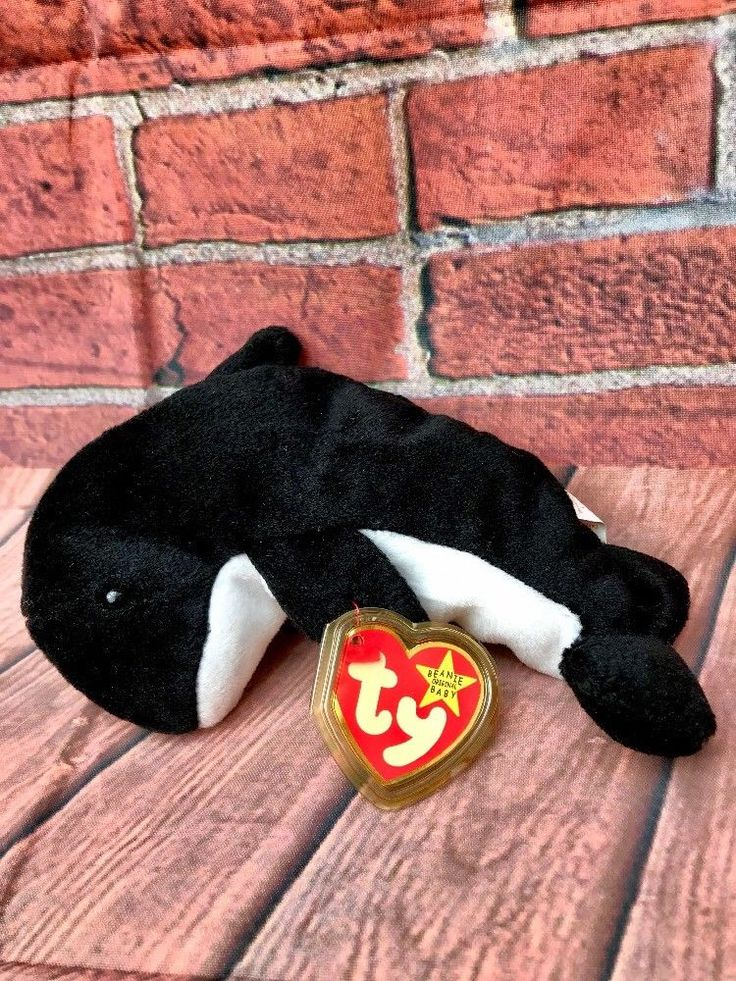 Waves the Orca Whale TY Original Beanies Baby 1996 New With Tags Plush teddies