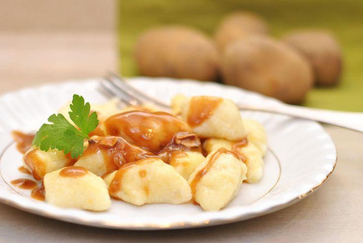 Kopytka czyli mój sekret idealnych kopytek. Mąka ziemniaczana z pszenną w idealnych proporcjach. Dobre ziemniaki, jajko i idealny dodatek do dań gotowy.
