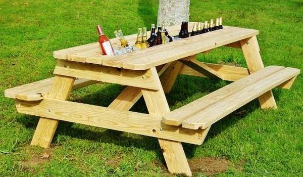 Cooler-Embedded Counters - The Beer Gutter Picnic Table is a Summer Time Must-Have (GALLERY)