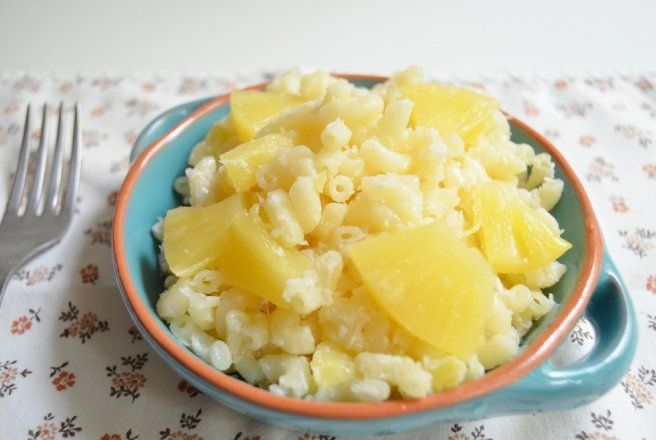 Retete Culinare - Paste cu nuca de cocos si ananas