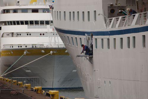 Hamburg and Ocean Majesty