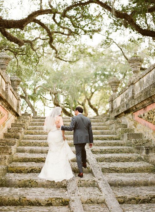 I want to get married at Vizcaya so bad. http://www.womangettingmarried.com/miami-wedding-venues-vizcaya-museum-and-gardens/