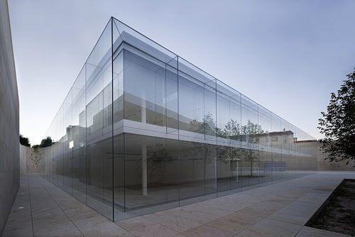 Alberto Campo Baeza's Glass Box of Air