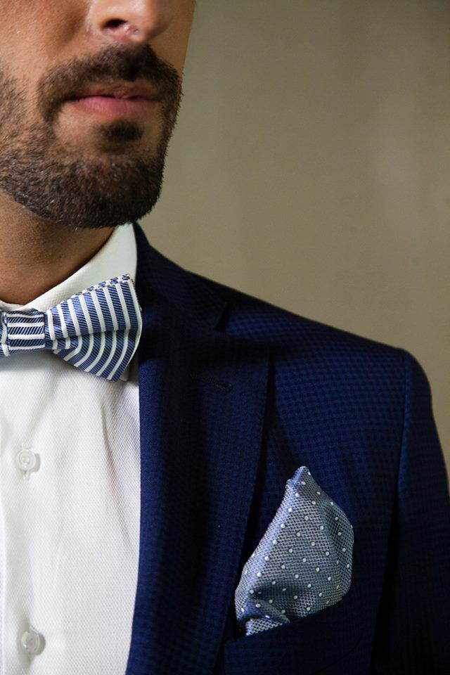 No sabes como vestir para la noche de fin de año? Déjate aconsejar por los profesionales de @trajessenor y no desentonarás.  #bride #groom #wedding #weddings #bodas #novio #traje #boda #diciembre #suits #suitup #suit #bridestyle #groomstyle #happynewyear #newyear  http://trajessenor.com/showroom-nuvis/   Documentary Wedding Photography