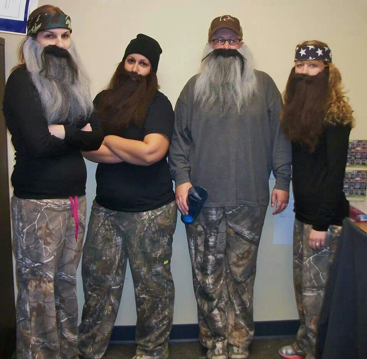 I'm in a pin!!!  Duck Dynasty costumes