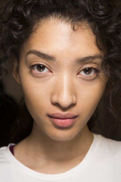 Anthony Vaccarello Fall 2016 Ready-to-Wear Beauty Photos - Vogue