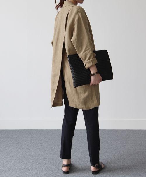 oversized coat? tunic?, slim leg pant, sandals, envelope clutch