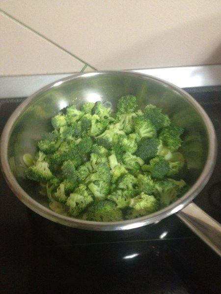 adaugam broccoli si sotam in continuare
