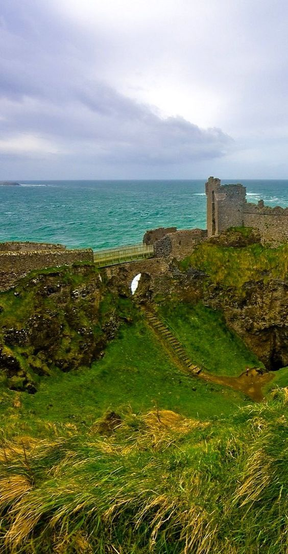 Dunluce Castle, Northern Ireland photo via dana