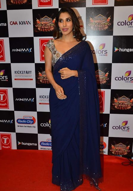 Actress Sophie Choudry in Bright Navy Blue Plain Saree AT Gulshan Kumar Tribute Concert