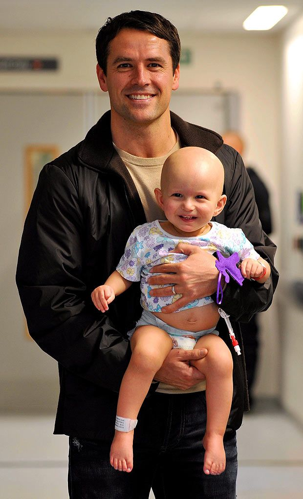 Michael Owen with his kid