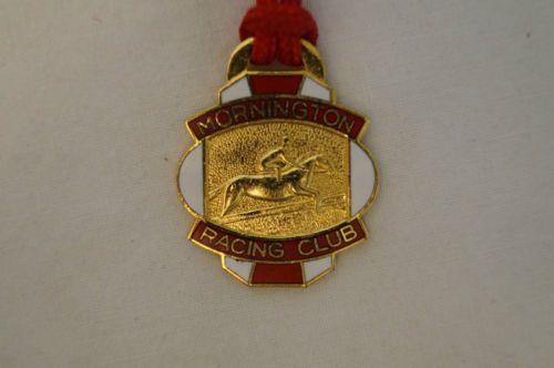 Collectable-Vintage-Mornington-Racing-Club-1987-Members-Badge