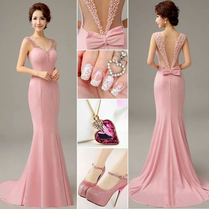 Vestido de noche rosa. elegante delicado