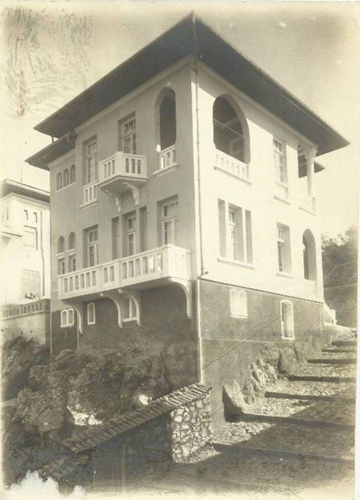 Karantina Semti Necmettin Bey Köşkü, 1940'lı yıllar.